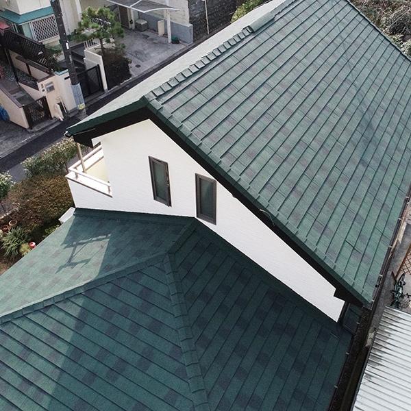 屋根のカバー工法価格